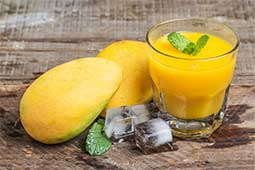 How to squeeze fresh Mango Juice at home?